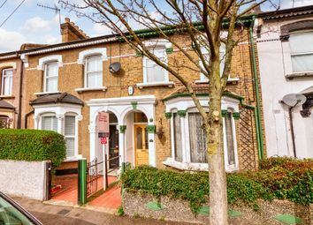 St. Georges Road, Leyton E10. 1 bed flat for sale