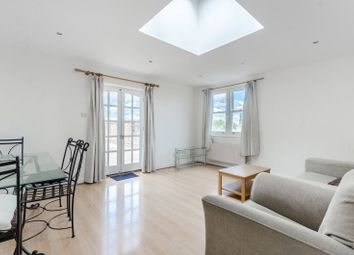 Thumbnail 1 bed flat to rent in Este Road, Clapham Junction, London
