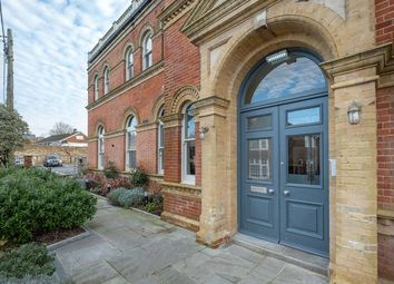 Main Road, Havenstreet, Ryde PO33. 2 bed flat for sale