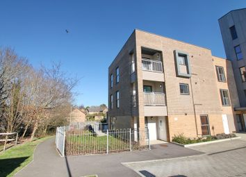 Thumbnail 2 bedroom flat for sale in Pond View, Southampton, Hampshire