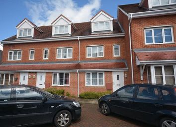 Thumbnail 1 bed flat to rent in Hoddinott Road, Eastleigh