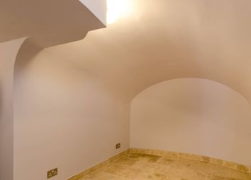 Thumbnail 1 bed maisonette to rent in Moreton Terrace Mews North, Pimlico
