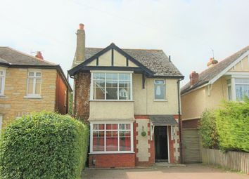 2 bed flat to rent in Weyhill Road, Andover, Hampshire SP10