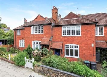 Thumbnail Maisonette to rent in St James' Lane, Muswell Hill