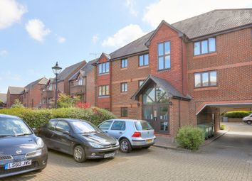 Thumbnail 2 bed flat to rent in Granville Road, St.Albans