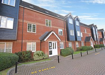 Thumbnail 2 bed flat to rent in Bartholomew Court, Newbury