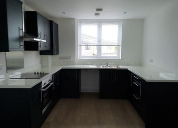 2 bed flat to rent in North Roskear Road, Camborne TR14