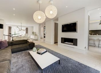 Thumbnail 5 bed property for sale in Kingsley Way, London