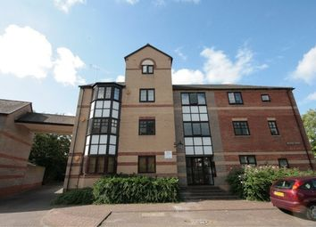Thumbnail 2 bedroom flat to rent in Waterside Gardens, Holybrook, Reading