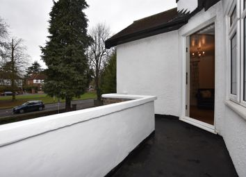 3 bed flat to rent in Beechwood Park, London E18