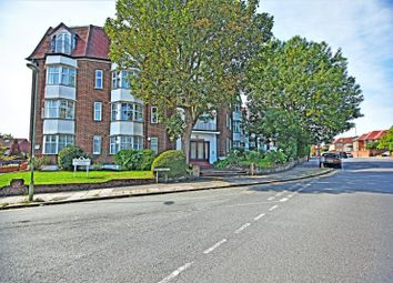 Thumbnail 3 bedroom flat for sale in Collingwood Court, Queens Road, Hendon