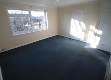 Thumbnail 1 bed flat to rent in Gregories Close, Luton