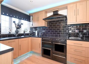 2 bed flat for sale in Stoneleigh Broadway, Stoneleigh, Epsom KT17