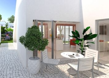 Thumbnail 3 bed villa for sale in Portugal, Algarve, Vilamoura