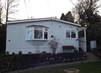 Thumbnail 1 bed mobile/park home for sale in Swallow Street, Turners Hill Park, Turners Hill, West Sussex