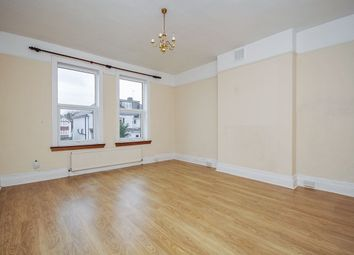 Thumbnail 1 bed flat to rent in Lake Avenue, Bromley