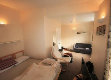 Thumbnail 1 bed flat to rent in West Street, Buckingham