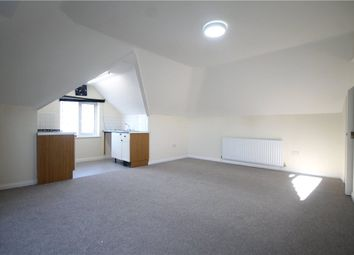 Thumbnail 1 bed flat to rent in Purley Way Crescent, Croydon