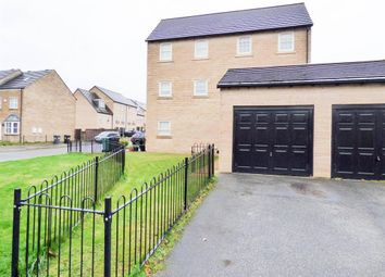 Thumbnail 2 bedroom town house for sale in Norfolk Avenue, Huddersfield