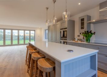 4 bed property for sale in London Road, Harlow CM17