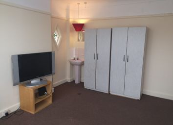 Thumbnail 4 bed shared accommodation to rent in Kent House Road, Sydenham