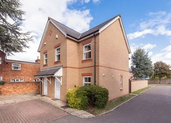 Thumbnail 3 bed town house to rent in Ty-Craig, Victoria Road, Bicester