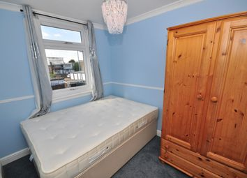 Thumbnail Room to rent in Wykes Green, Basildon