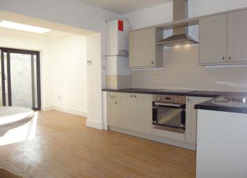 Thumbnail 1 bed flat to rent in Kew Road, Kew, Richmond