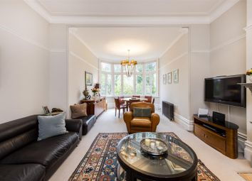 Thumbnail 2 bed flat for sale in Chesterford Gardens, Hampstead