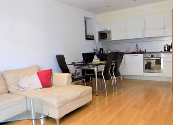 Thumbnail 2 bed flat to rent in Kingsland Passage, London