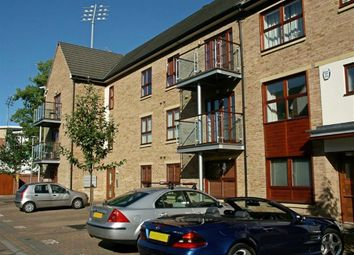 Thumbnail 2 bed flat for sale in Standside, Northampton
