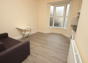 Thumbnail 1 bed flat to rent in Colworth Road, Leytonstone