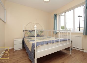 Thumbnail 5 bed shared accommodation to rent in Grundy Street, Poplar