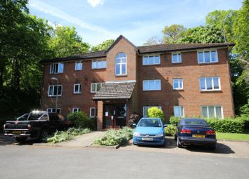 Thumbnail 1 bed flat to rent in Tilebarn Close, Henley-On-Thames