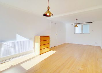 2 bed maisonette for sale in Roman Road, Mile End, London. E2