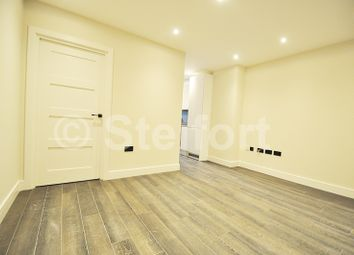 Thumbnail 1 bed flat to rent in Granville Road, Golders Green, London