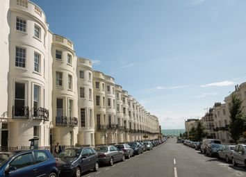 Thumbnail 6 bed terraced house to rent in Lansdowne Place, Hove