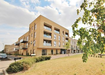 Thumbnail 2 bedroom flat to rent in Whittle Avenue, Trumpington, Cambridge