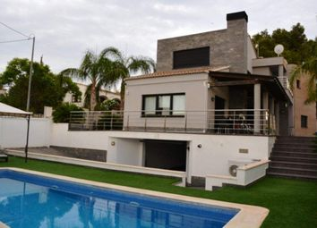 Thumbnail 5 bedroom chalet for sale in Calp, Alicante, Spain