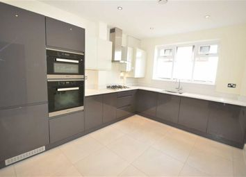 Thumbnail 2 bedroom flat to rent in Nether Street, London
