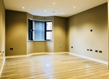 Thumbnail 2 bed flat to rent in The Grove, Slough