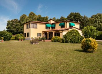 Thumbnail 5 bed town house for sale in 55100 Lucca, Province Of Lucca, Italy