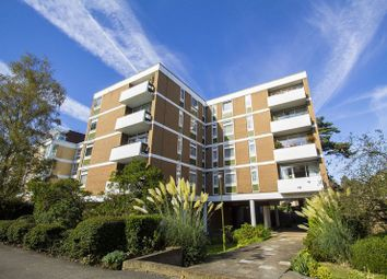 High Road, Chigwell IG7. 2 bed flat