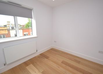 Thumbnail 1 bedroom flat to rent in High Road, North Finchley