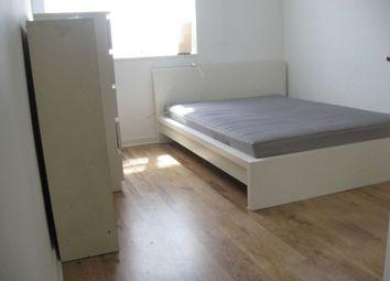 Thumbnail 3 bed flat to rent in 3 Bed Flat, Jubilee Street, Whitechapel