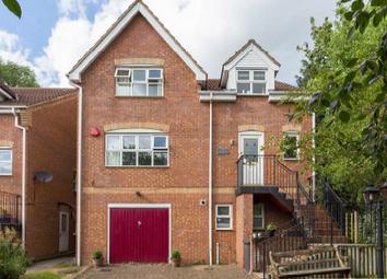 5 bed detached house for sale in Darlands Drive, Barnet EN5
