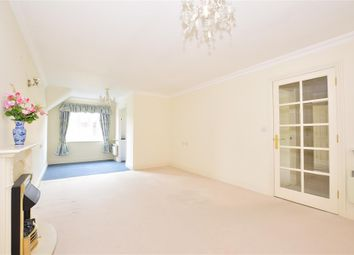 Thumbnail 2 bedroom flat for sale in High Street, Billingshurst, West Sussex