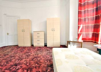 Thumbnail Room to rent in Aldbourne Road, Shepherds Bush, London