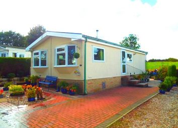Thumbnail 2 bed mobile/park home for sale in Hillside, Lymm, Cheshire