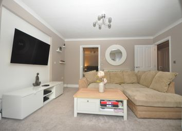 2 bed flat to rent in Crabbett Park, Worth, Crawley RH10